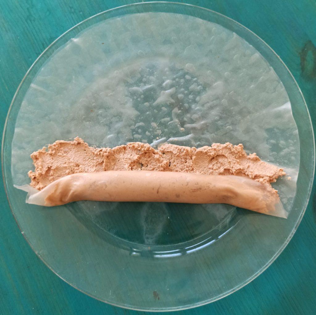 גלגול ממרח טופו בדף אורז