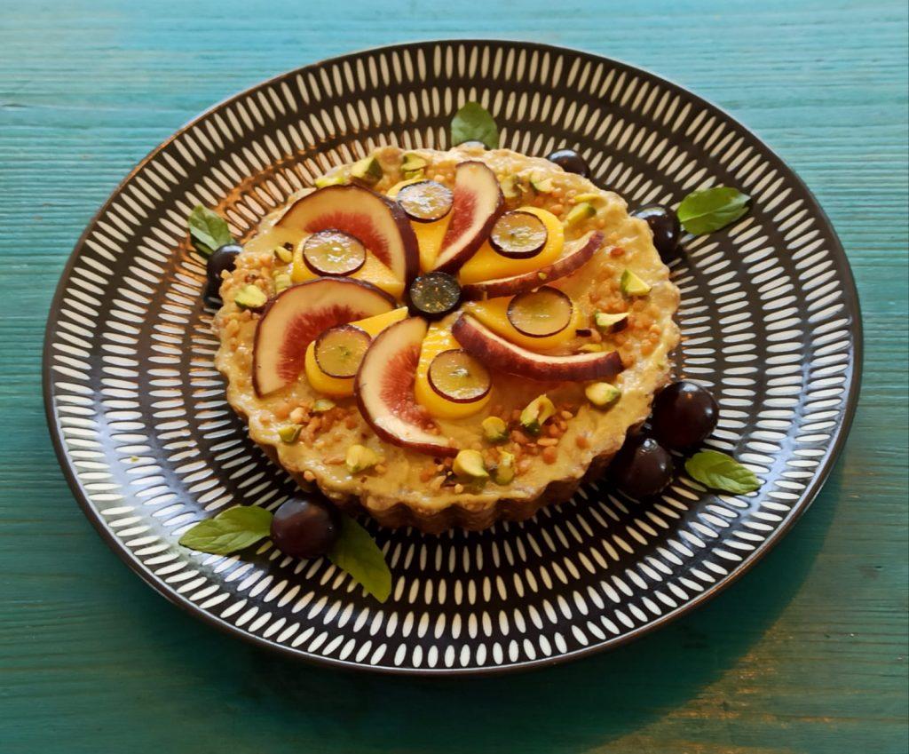 עוגה קיצית פירות ואגוזים
